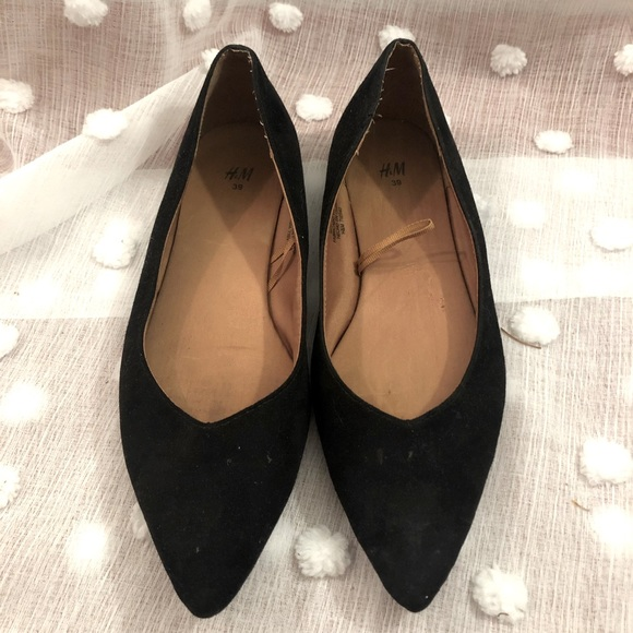 H&M Pointed Black Suede Flats Size 8